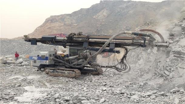 山東古河鑿巖機械HCR1200-EDII液壓鉆機實地施工