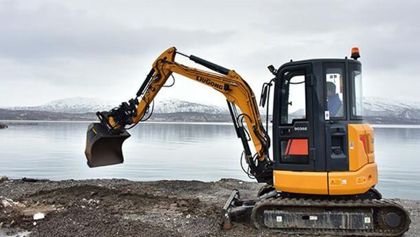 柳工915E挖掘机--全面身手,深挖价值