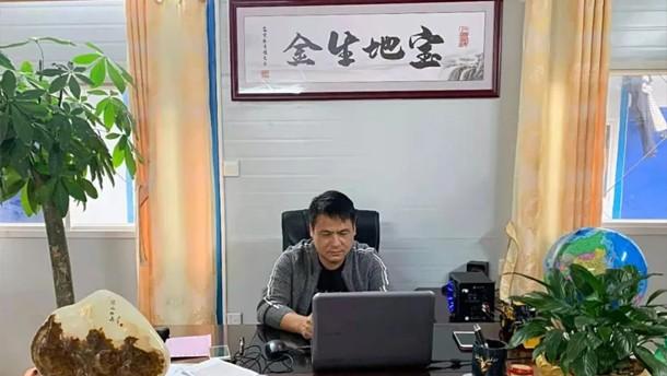 【临距离】 矿山24小时作业靠得住,陈乐辉把主力机型换成了山东临工!