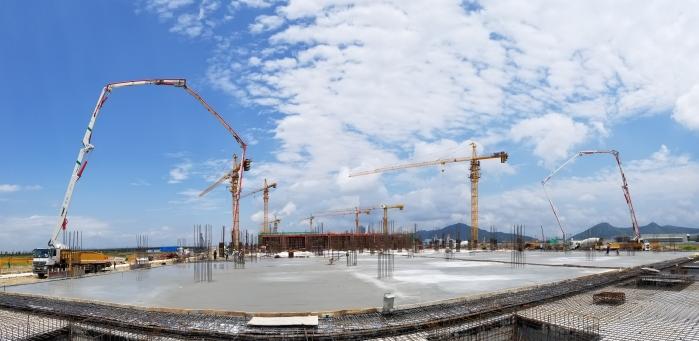 兩臺徐工泵車助力廣州珠海生產廠房建設