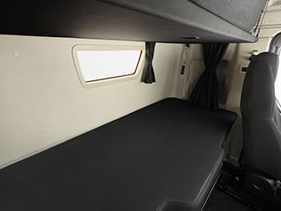 江铃威龙HV5平地板驾驶室 - 6X4牵引车