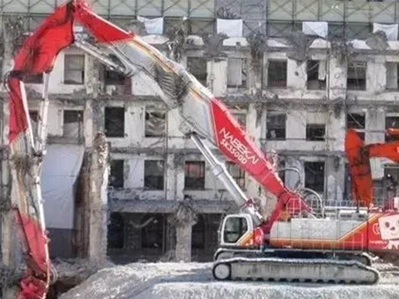 拆迁大队--65米挖掘机液压剪