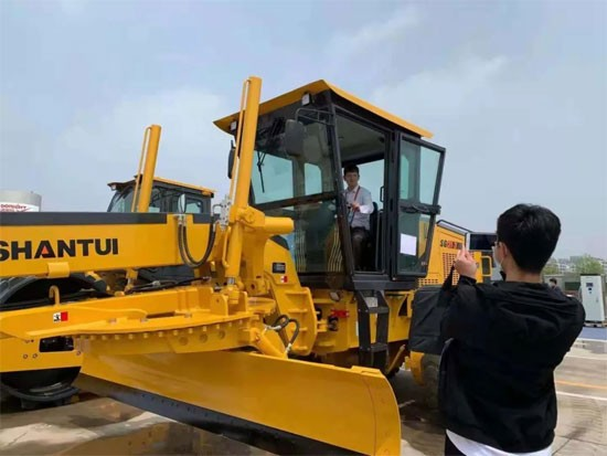 山推亮相2021上海合作組織國際投資貿易博覽會
