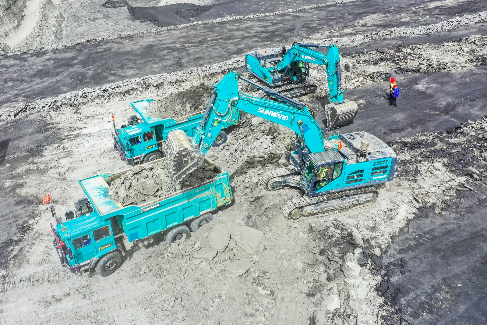 山河智能礦用卡車施工現場