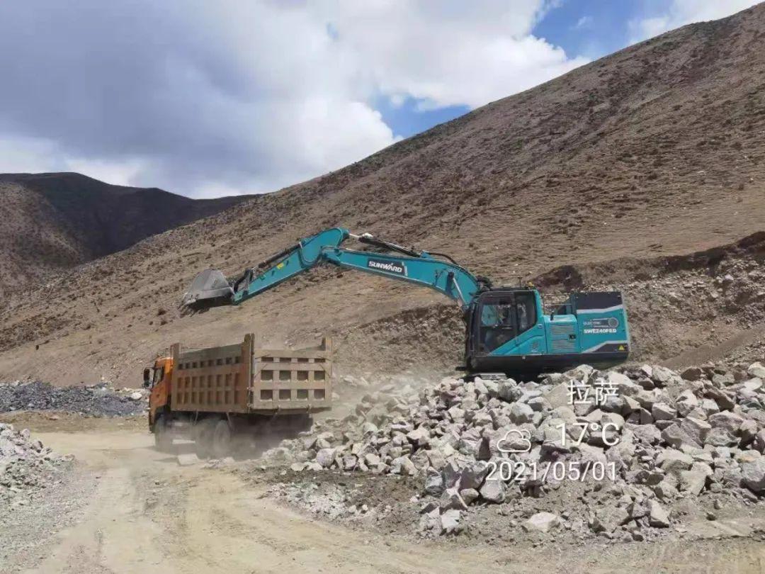 全国首台纯电动智能挖掘机挑战青藏高原