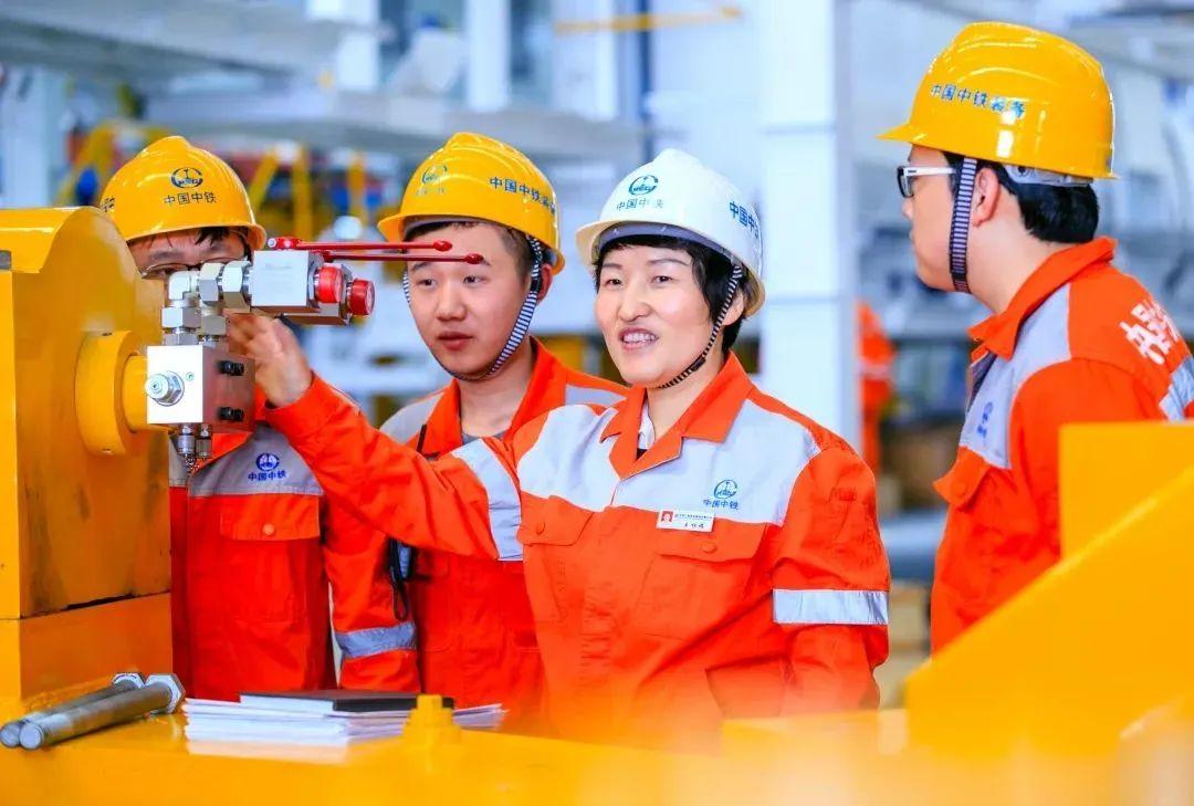"""全國人大代表王杜娟:制造業由大到強答案就在""""三個轉變"""""""