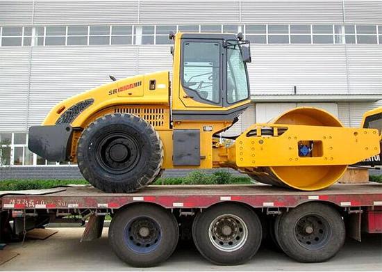 山推SR14MA单钢轮压路机批量销往俄罗斯