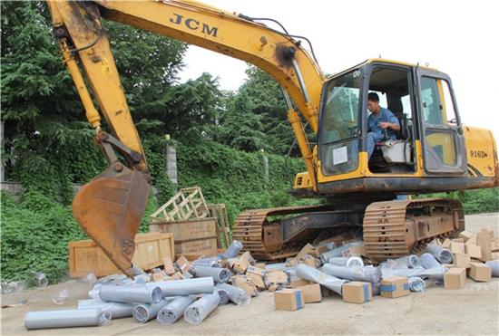山重建机:维护配件市场,一批退回滤芯因超保质期被销毁
