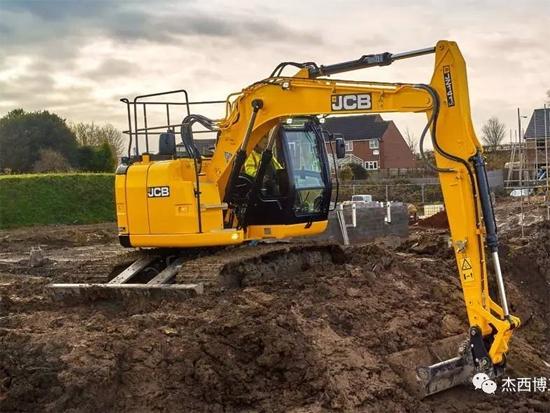 JCB推出新品T4F无尾JZ141挖掘机