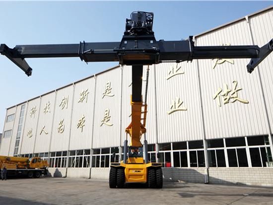徐工XCS45正面吊铁路货场施工实况