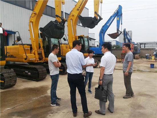山重建机公司领导走访湖南市场