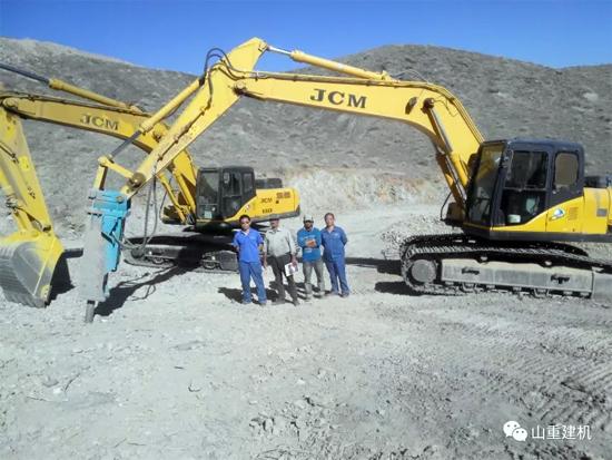 中东客户的信赖:采购50多台山重建机挖掘机