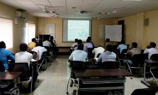 山推在印度举办全液压推土机服务培训