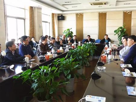 深圳昊伟投资有限公司持续选购200余台华菱星马产品