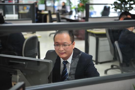 """""""直通三一""""专家榜:二手设备销售经理陈跃兴"""