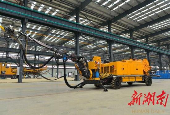 全球首台全智能型混凝土喷射机长沙下线