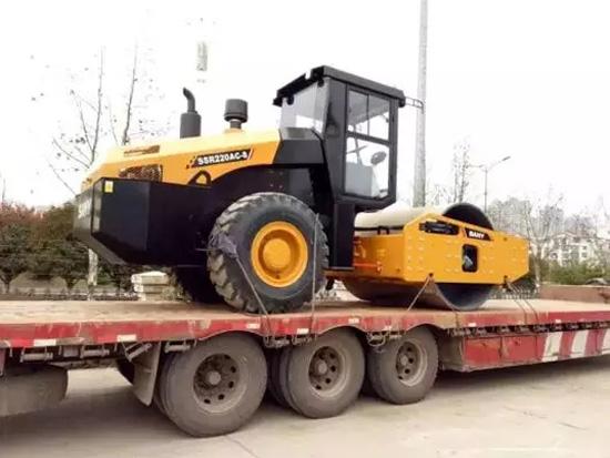 三一全液压再添新宠 26吨压路机抢占大吨位市场