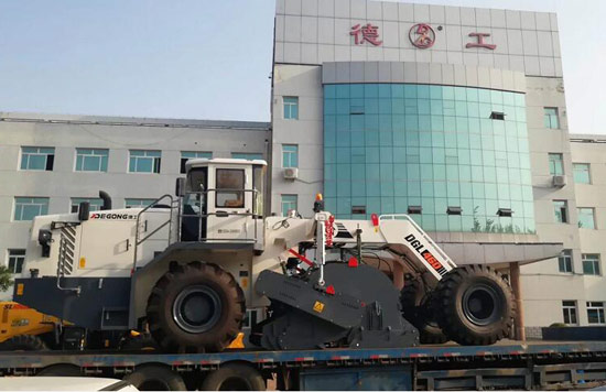 德工冷再生机助力新疆基础建设
