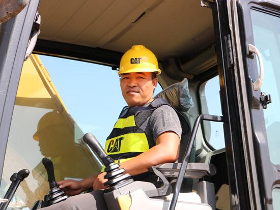 一台挖机开15年,惠民这个客户因此认准了卡特彼勒