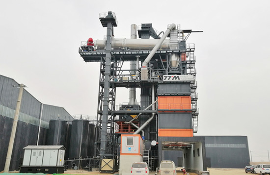 铁拓机械又一套沥青厂拌热再生成套设备落户关中地区