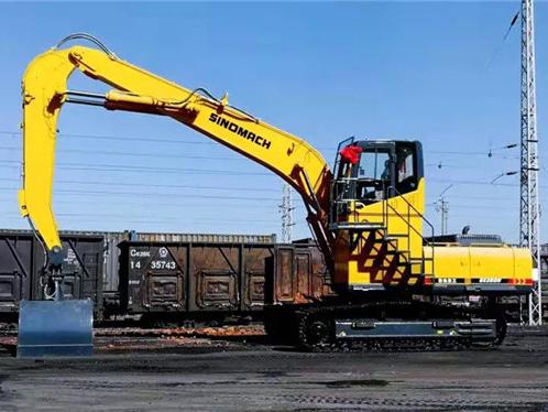 国机重工挖掘机助力铁路运输建设
