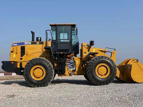 山工SEM656D装载机 满足您的各种需求