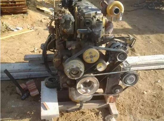 卡特320优德w88中文官网登录烧机油多怎么回事