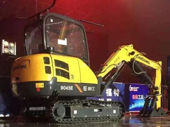 """""""黑科技""""满满的柳工9045E挖掘机"""