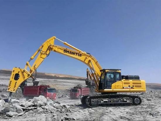 山推挖掘机SE370LC-9 | 不畏戈壁寒冷 满足用户 成就你我