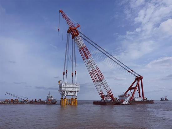振华重工中标海上升压站吊装项目