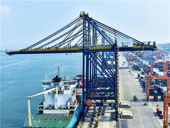 揭秘珠海港主力桥吊:技术小细节,成就大优势