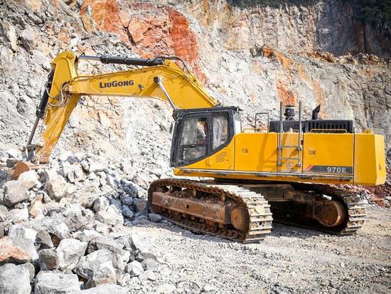缺席新品发布 柳工970Ebeplay官方在线客服新品鏖战新疆矿区