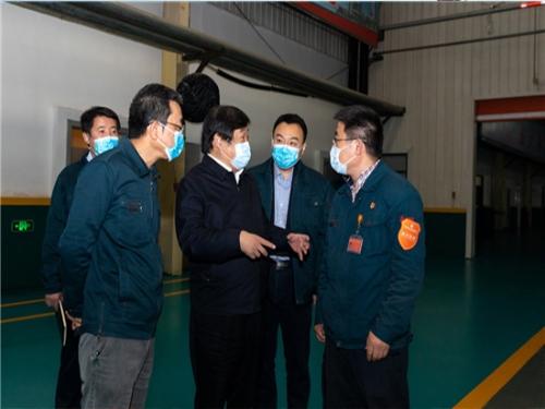 谭旭光在济南章丘调研中国重汽零部件企业