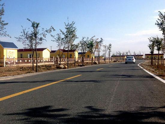 新疆今年在10个贫困县实施132个农村公路建设项目