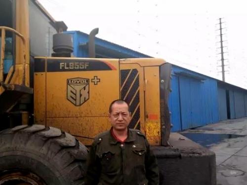 雷沃重工装载机服务新疆,他们为什么都选择雷沃?