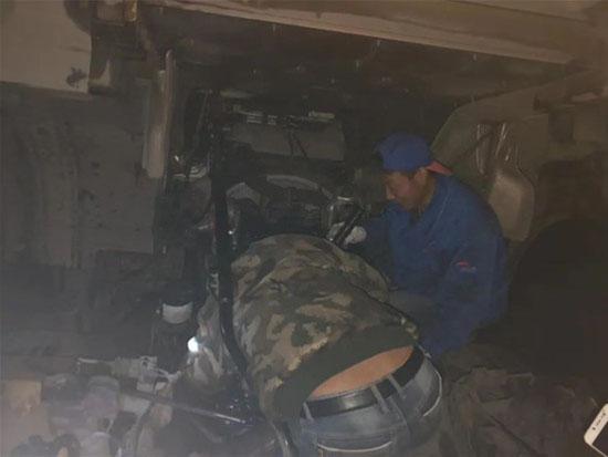 陕汽重卡 | 雪域高原赢赞誉,贴心服务暖人心