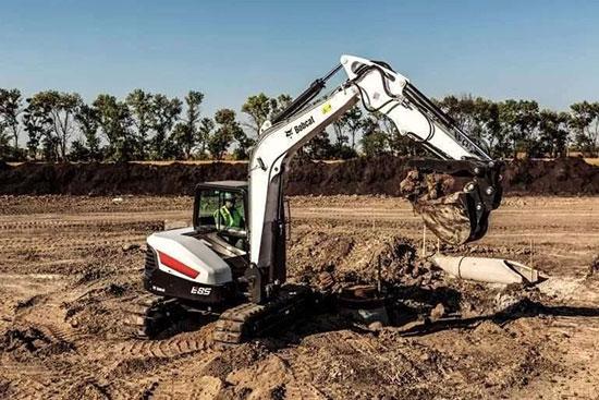 山猫更新了E85挖掘机:更大动力和更舒适的驾驶室