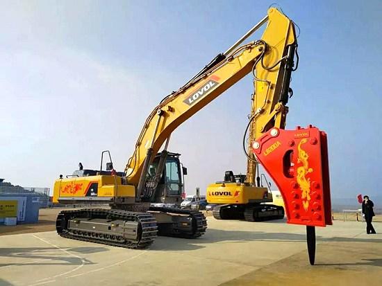 """张总说""""强悍,真没有边界,偏爱这款矿山霸主""""——雷沃FR560E2-HD挖掘机"""