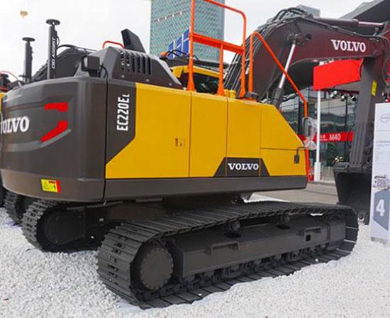 国四挖机来了,沃尔沃EC220EL挖掘机科技感十足!修起来是不是很爽?