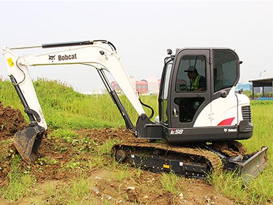 疫情过后开工季:山猫E58挖掘机来帮忙!