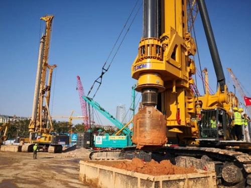 全球最大吨位旋挖钻机徐工XR800E助力超级工程
