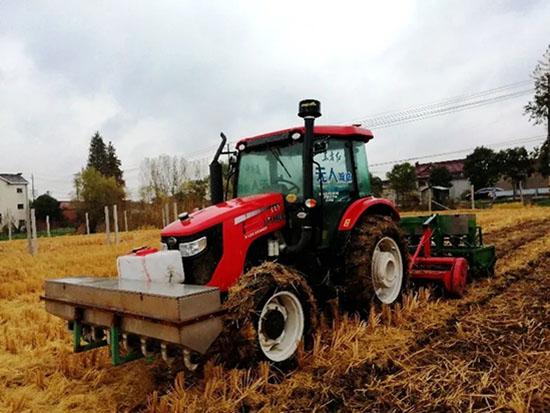 中国一拖无人驾驶技术助力小麦亩产创新高