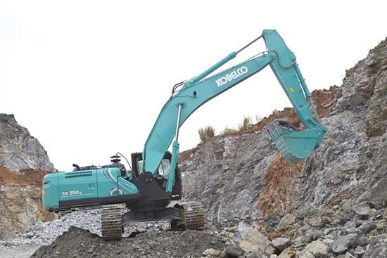 作业高耐久,神钢30吨大挖机备受瞩目