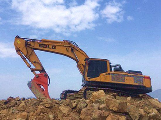 【用户说】从机手到月入7万的老板,你或许就差一台山东临工E6500F挖掘机!