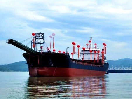 徐工大吨位起重机联吊助力澳森钢铁高炉上料通廊建设