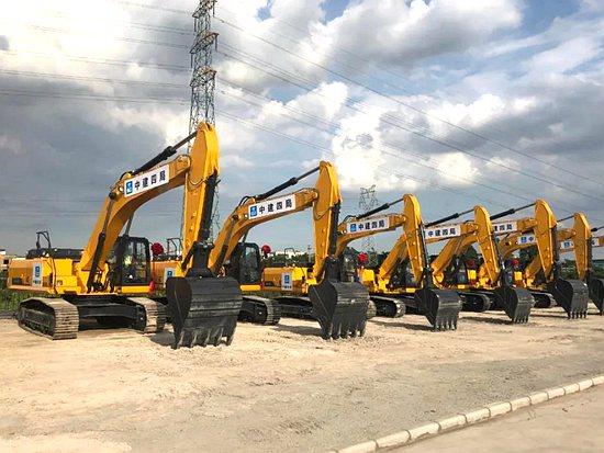 柳工设备助力世界级机场建设!