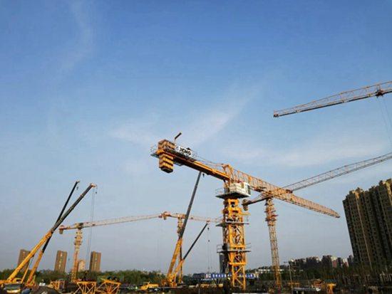 新老基建景气诱人 工程机械巨头频出大手笔