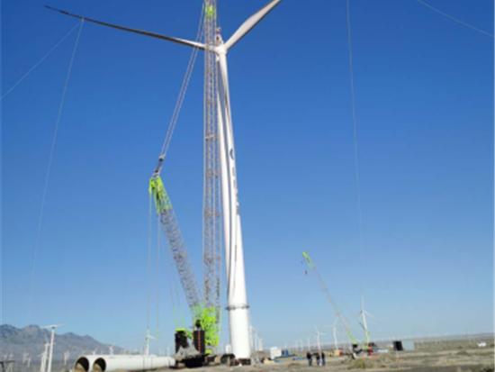 中联重科ZCC9800助力达坂城亚洲陆上风电机组完成吊装
