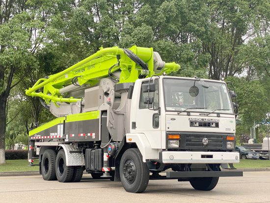 中联重科印度版38米泵车下线 量身定制深耕本地市场