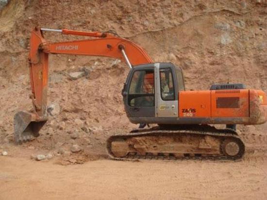 挖机发动机出现异响,保养工作肯定没做好